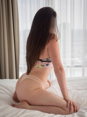 Najoua escort girls in Sugar Land