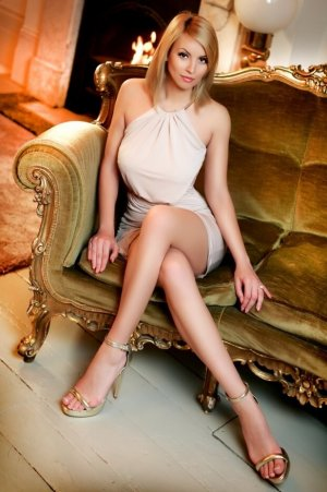 Lucie-marie korean escort girl in Maysville