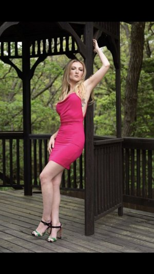 Jacinthe escort in Marshalltown